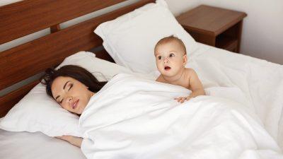 Kiedy dziecko powinno zasypiać samo?