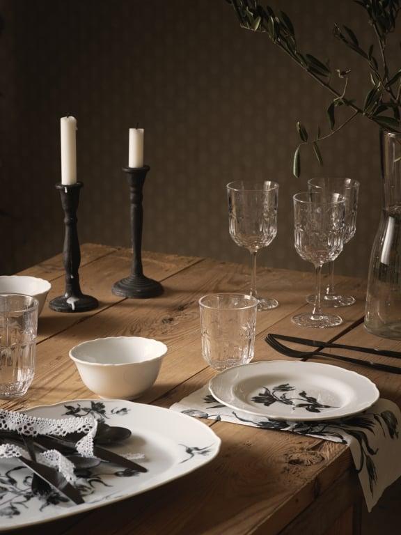 rustykalna aranżacja stołu