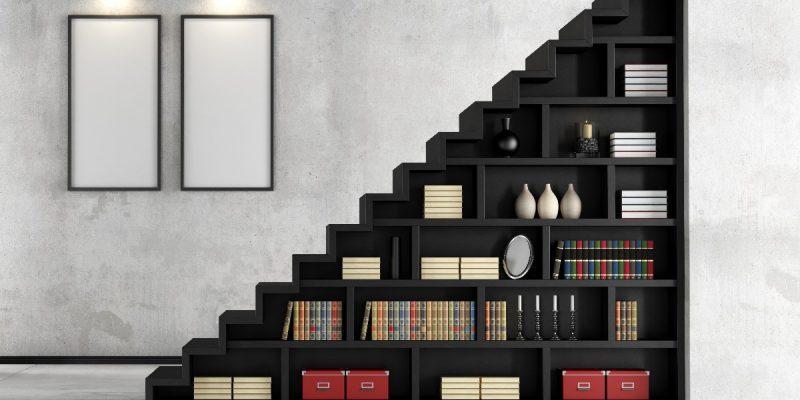 TOP 10 pomysłów na bibliotekę pod schodami