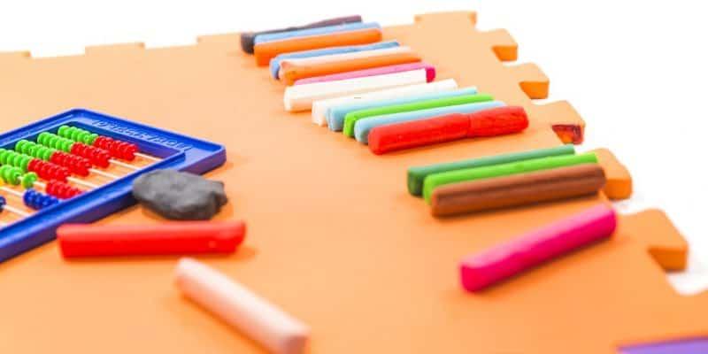 Edukacyjne maty i dywany dla dzieci - połącz naukę z zabawą!