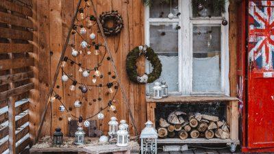 Piękny balkon zimą - jakie dekoracje wybrać?