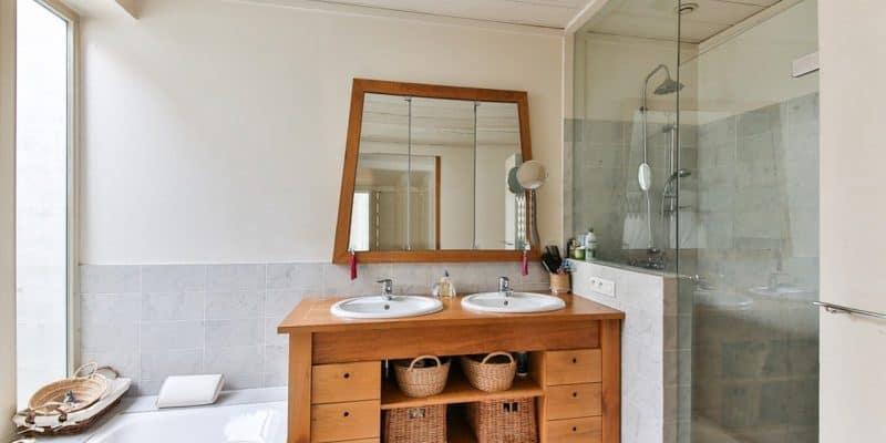 Mała łazienka i sprytne urządzanie. Jak optycznie ją powiększyć?