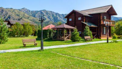 Mieszkanie w górach na stałe - dlaczego warto?