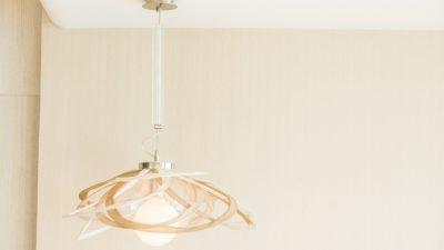 Jak dopasować lampę sufitową do wnętrza?