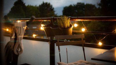 światło na balkon